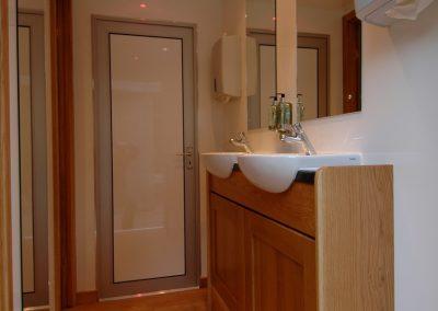 Mid Deluxe White Moible Toilet Unit 7