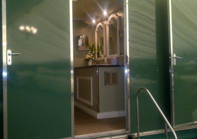 Large Deluxe Mobile Toilet Interior 9