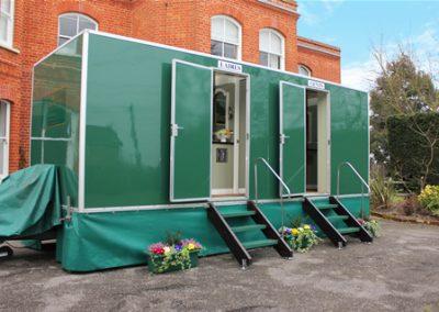Large Deluxe Mobile Toilet Unit