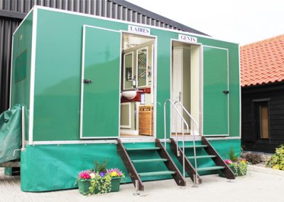 Mid Deluxe Green Mobile Toilet Unit