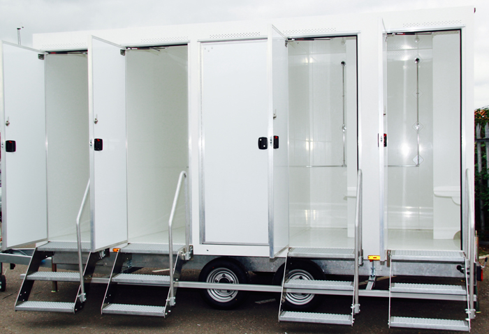 luxury mobile shower hire