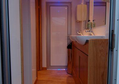 Mid Deluxe White Moible Toilet Unit 3
