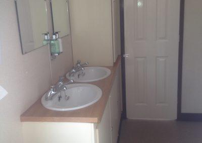 Large Luxury Blue Mobile Toilet Unit 9